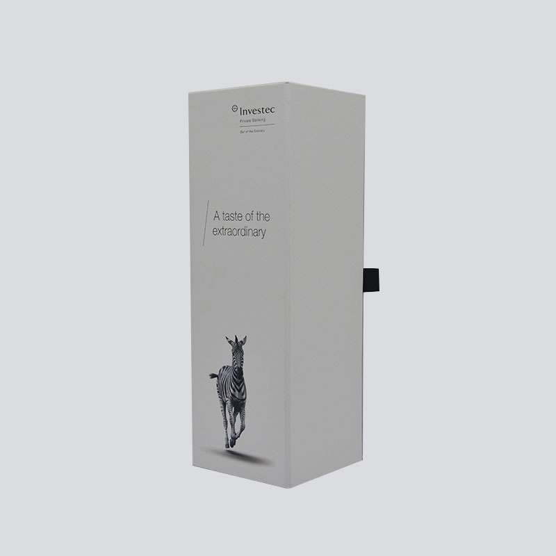 Luxury alcohol packaging with customized design